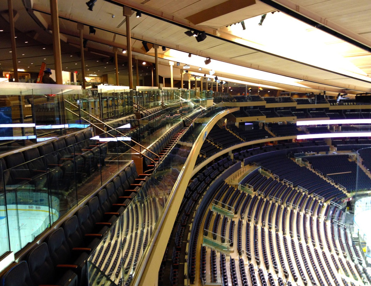 Glass railing new york madison square garden trex commercial products for Best restaurants near madison square garden