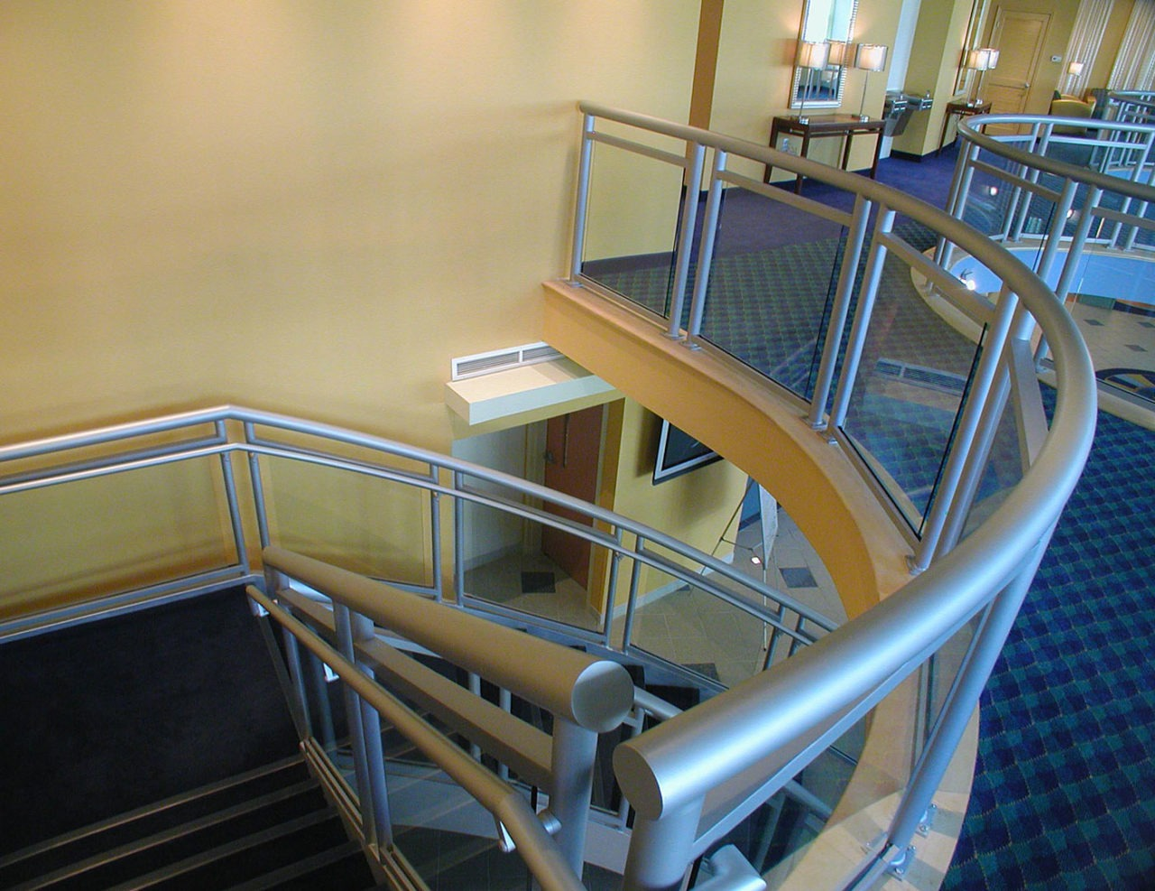 3-Line Glass interior stair and overlook railing