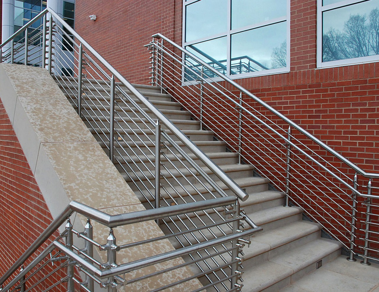 Glenlake Tube Infill Railing | Trex Commercial Products