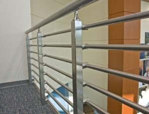 Glenlake stainless steel lateral tube railing