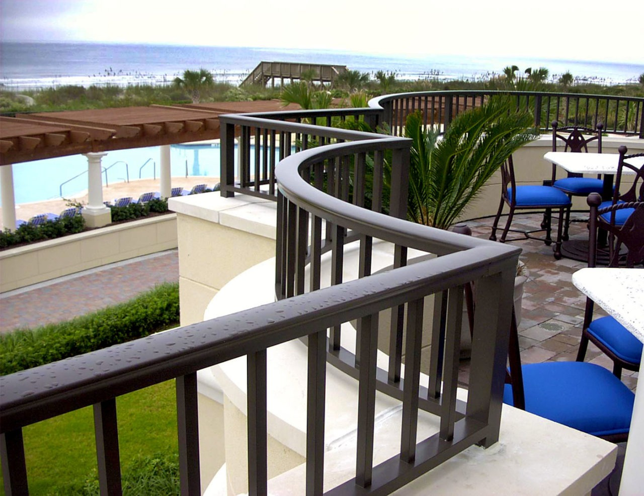 Line picket aluminum balcony railing trex commercial