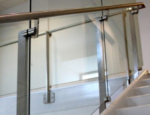 Side mounted Dot glass railing