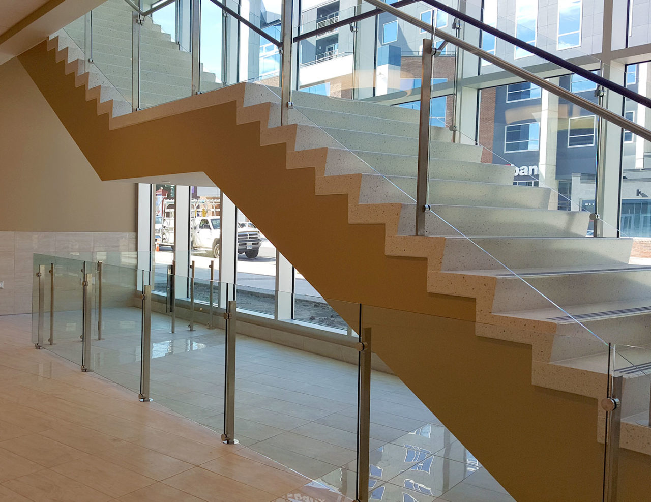 Glass Railing With Circular Glass Mounts Trex Commercial Products
